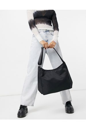 Weekday – Carry – Umhängetasche aus recyceltem Material in