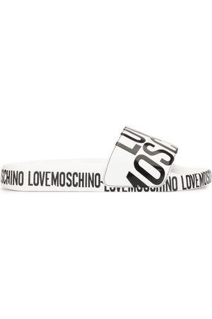 Love Moschino Pantoletten mit Logo-Print
