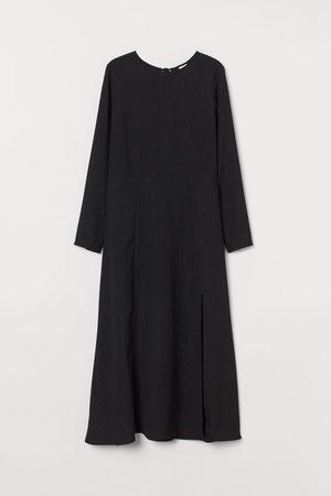 H&M Kleid mit Schlitz