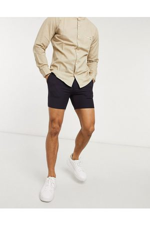 ASOS – Superenge, elegante Shorts in Pflaumen-Tonic