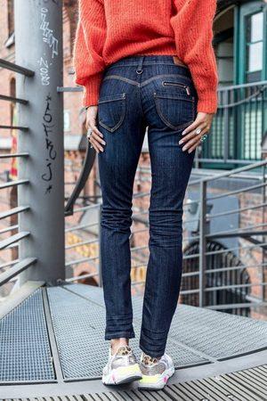 Freeman T Porter Slim-fit-Jeans »Alexa SDM« mit Passse in Herzform und vielen liebevollen Details