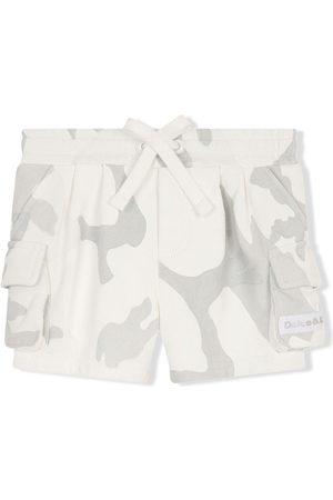 Dolce & Gabbana Kids Cargo-Shorts mit Camouflage-Print