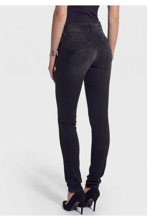 Kaporal 5 Slim-fit-Jeans »FLORE« mit coolem Design auf den Hosentaschen