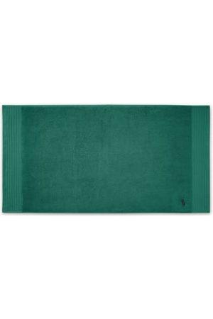 Ralph Lauren In einer Vielzahl an tollen Farben präsentieren sich die klassischen Badematten von aus 100% luxuriöser ägyptischer Baumwolle. Sie begeistern mit ihren hochwertigen Eigenschaften und sind perfekt auf die passenden Handtücher abgestimmt. Mit d