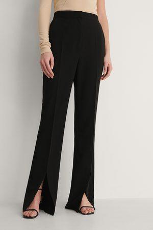 Curated Styles Damen Stoffhosen - Hose Mit Schlitz Vorne - Black