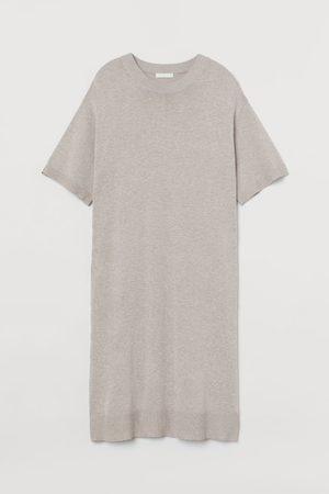 H&M T-Shirt-Kleid aus Feinstrick