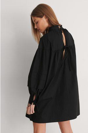 Curated Styles Damen Kleider - Detail Cotton Dress - Black