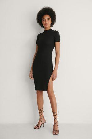 NA-KD Ripp-Kleid Mit Schlitz-Detail - Black
