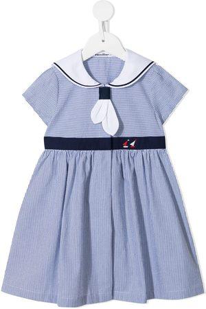Familiar Gestreiftes Kleid im Matrosen-Look