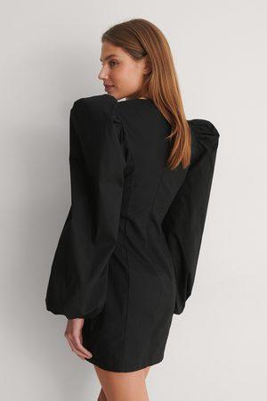 Curated Styles Damen Freizeitkleider - Minikleid Mit Weiten Ärmeln - Black