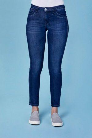 Blue Fire Damen Slim - Slim-fit-Jeans »Nancy« in angesagten Slim Fit-Schnitt