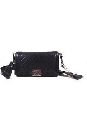CHANEL Boy Handtasche in Leder