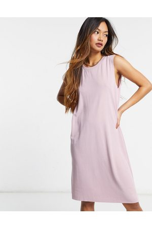 Monki – Ärmelloses Midikleid in