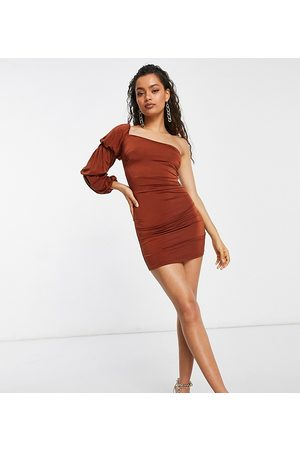 ASOS ASOS DESIGN Petite – Weiches Minikleid mit One-Shoulder-Träger in Rost