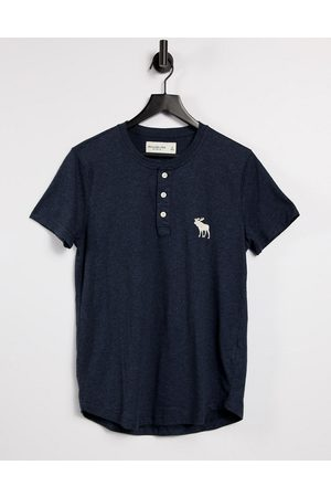 Abercrombie & Fitch – Exploded Icon – Henley-T-Shirt in