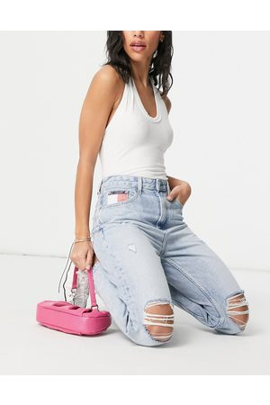 Tommy Hilfiger – Mom-Jeans in hellblauer Waschung
