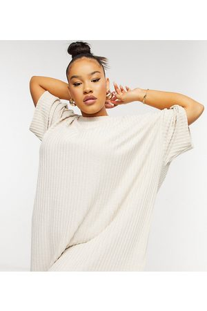 ASOS ASOS DESIGN Curve – Superweiches, geripptes Oversized-T-Shirt-Kleid in Stein-Creme