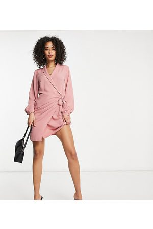 ASOS ASOS DESIGN Tall – Wickel-Minikleid mit Kragen in