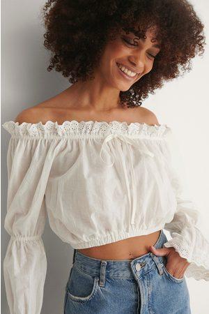 Trendyol Bluse - White