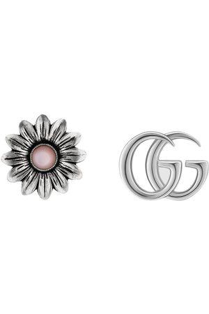 Gucci Ohrstecker mit GG und Blume