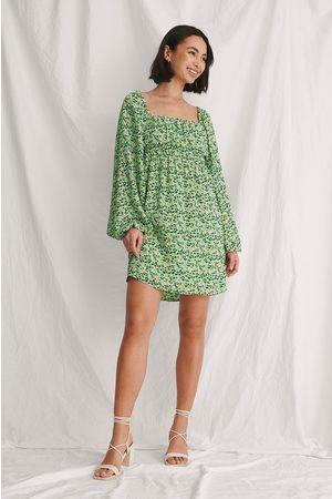 Curated Styles Hergestellt Aus Chiffon Kleid Mit Rüschendetail - Green