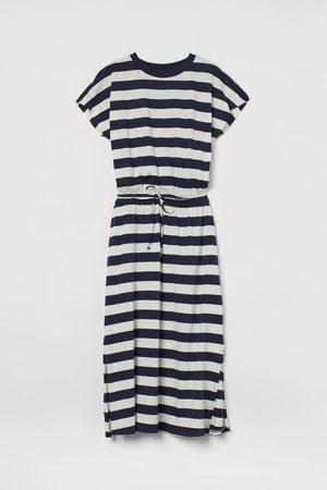 H&M T-Shirt-Kleid mit Kordelzug