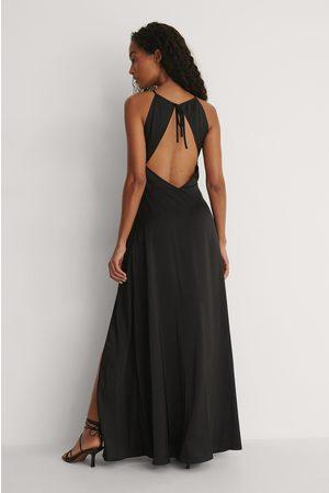 Curated Styles Kleid Mit Offenem Rücken Und Schlitz-Detail - Black