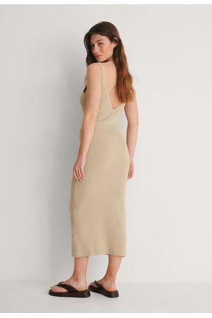 NA-KD Damen Strickkleider - Geripptes Kleid Mit Tiefem Rücken