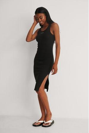 Calvin Klein Damen Freizeitkleider - Geripptes Kleid Mit Trägern Und Micro-Branding - Black