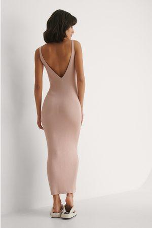 NA-KD Geripptes Kleid Mit Tiefem Rücken - Pink