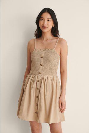 NA-KD Damen Freizeitkleider - Gesmokt Knopf Kleid