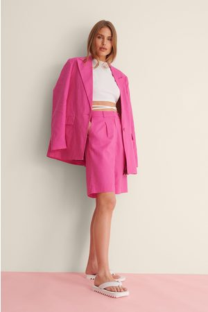 Curated Styles Oversize Kurze Leinenhose - Pink