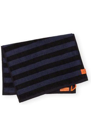 Mette Ditmer Weiche Frottee-Qualität. Handtuchschlaufe. Eingearbeitetes Streifenmuster. Reine Baumwollqualität. Label-Patch. - 35 x 55 cm (B x L)