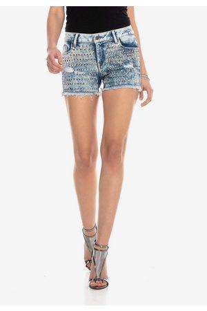 Cipo & Baxx Shorts mit coolen Nieten