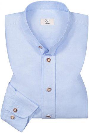 DU4 Trachtenhemd für Herren von in Hellblau. Zeitlos und traditionell zugleich begeistert das tailliert geschnittene Modell aus hochwertiger.... Mehr Details bei Lodenfrey.com