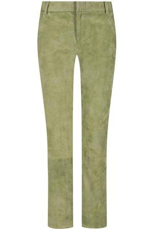 Nove Tropez Lederhose für Damen von in Hellgrün. Aus hochwertigem Lammveloursbegeistert das Modell sowohl haptisch als auch optisch, während das.... Mehr Details bei Lodenfrey.com