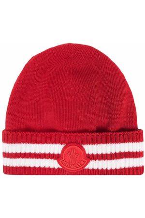 Moncler Gerippte Mütze mit Logo-Patch