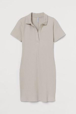 H&M Geripptes Jerseykleid