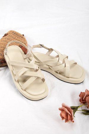 CUPSHE Damen Sandalen - Gelbe Sandalen mit gekreuzten Riemen und Schnalle