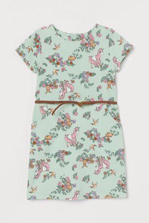 H&M Kleid mit Gürtel