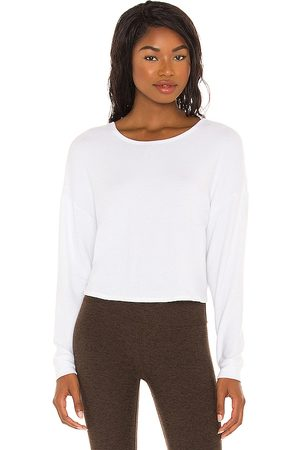 Beyond Yoga Do The Twist Cropped Pullover in . Size XS, S, M.