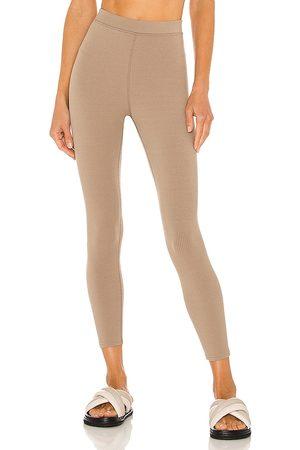alo 7/8 High Waist Blissful Legging in . Size XS, S, M.
