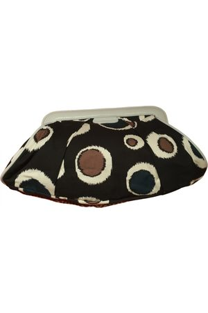 Cacharel Clutches