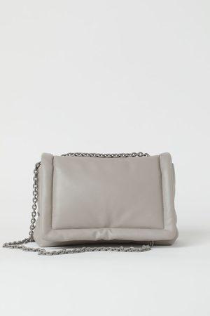 H&M Wattierte Handtasche