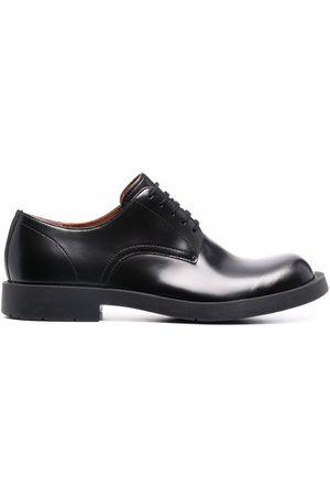 CamperLab Herren Caps - Oxford-Schuhe mit breiter Kappe