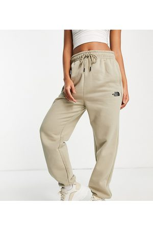 The North Face – Essential – Oversized-Jogginghose in – exklusiv bei ASOS-Neutral