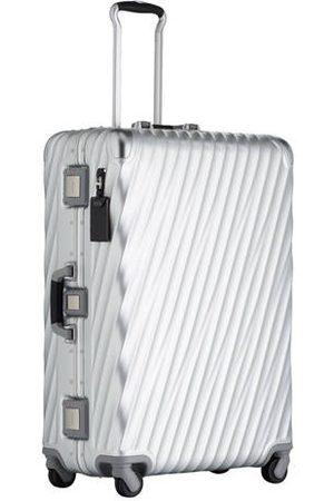 Tumi Perfektionieren Sie Ihre Reise! Der Rollenkoffer von aus der 19 DEGREE ALUMINIUM-Kollektion beeindruckt in jeder Hinsicht: Dieses strapazierfähige Modell überzeugt mit einer modernen Silhouette mit fließenden, gewinkelten Linien. Das Modell ist mit e