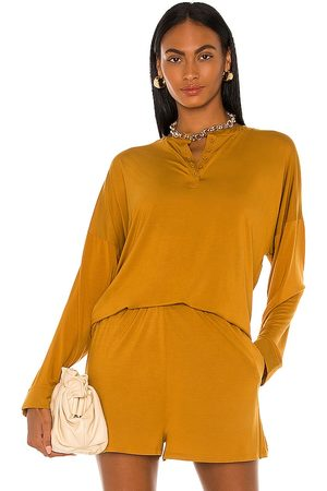 L'Academie Brent Top in . Size M, S, XL, XS.