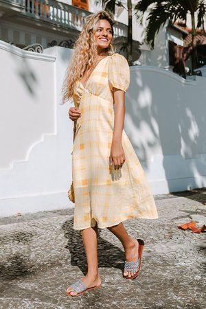 Cupshe Kariertes Kleid mit V-Ausschnitt