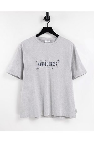 """Chelsea Peers – Lounge-T-Shirt in mit """"Mindfulness""""-Print"""